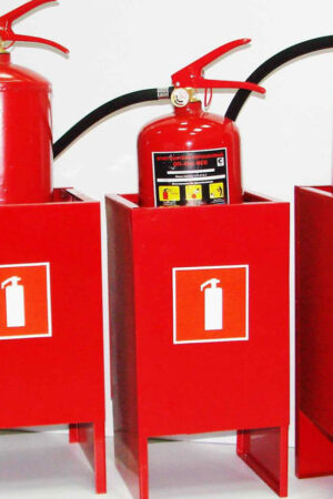 Какими бывают подставки для огнетушителей